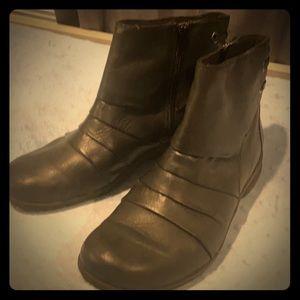 Clark's - black boots